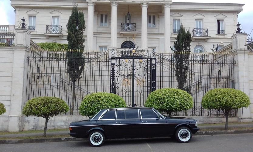 vintage-mansion-los-yoses-COSTA-RICA-LIMOSINA.jpg